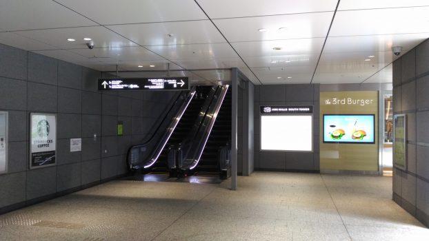 六本木一丁目駅エスカレーター